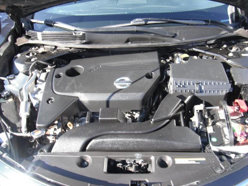 Nissan Altima 2013 price $8,900