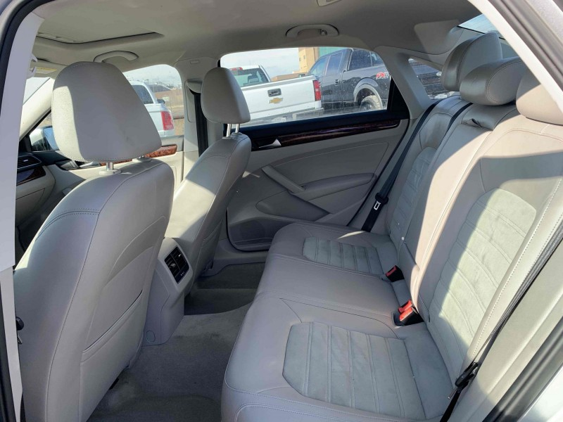 Volkswagen Passat 2013 price $13,100