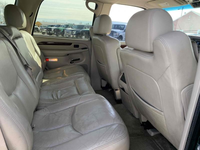 Cadillac Escalade 2003 price $7,195