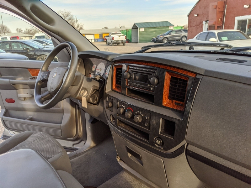 Dodge Ram Pickup 1500 2006 price $9,900