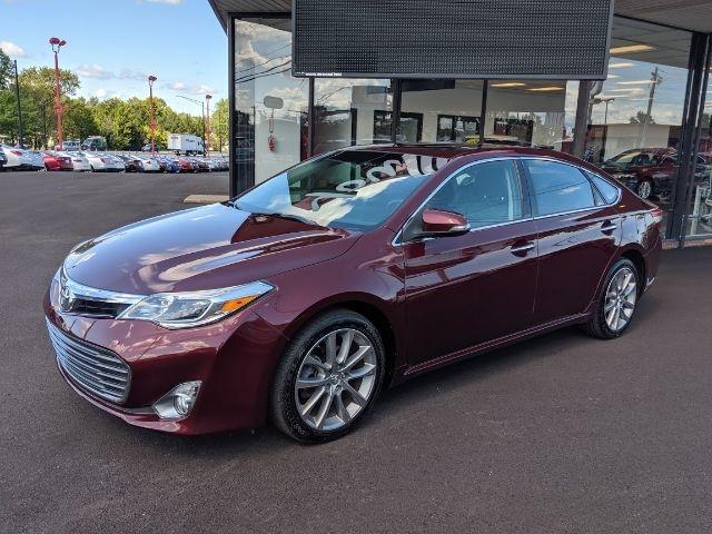 Toyota Avalon 2015 price $16,295