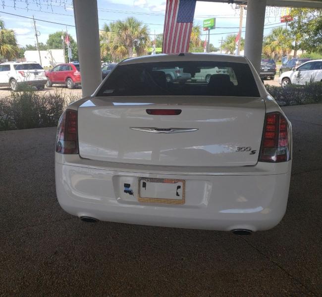 Chrysler 300 2014 price $16,200