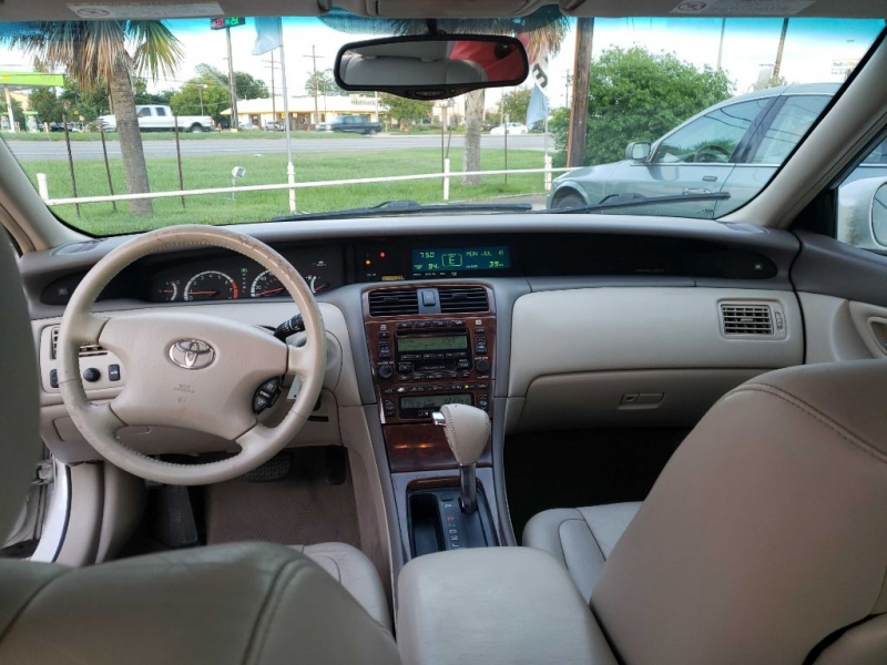 Toyota Avalon 2002 price $4,500