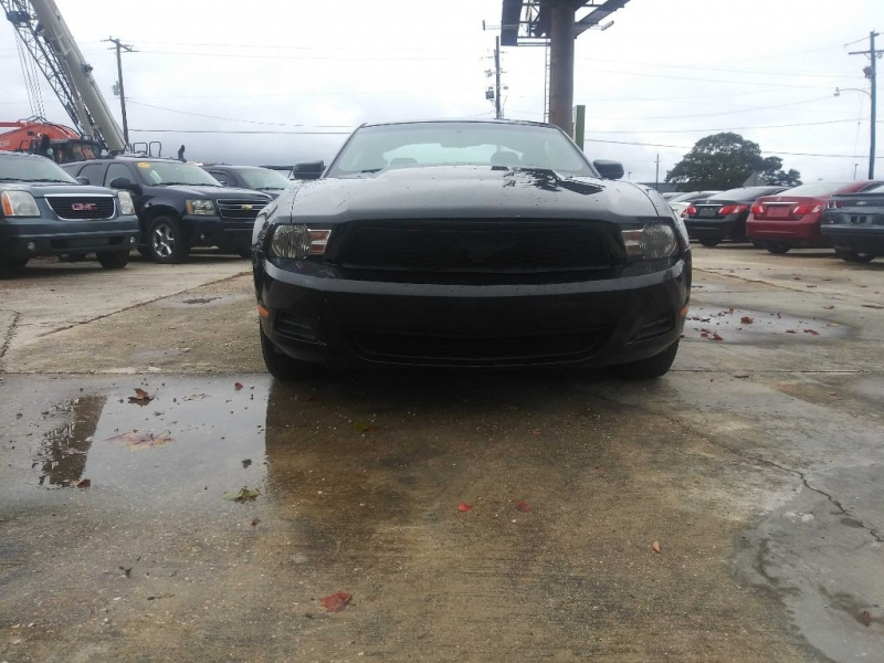 FORD MUSTANG 2010 price $7,995
