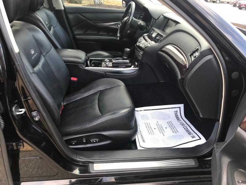 Infiniti M37 2011 price $9,400
