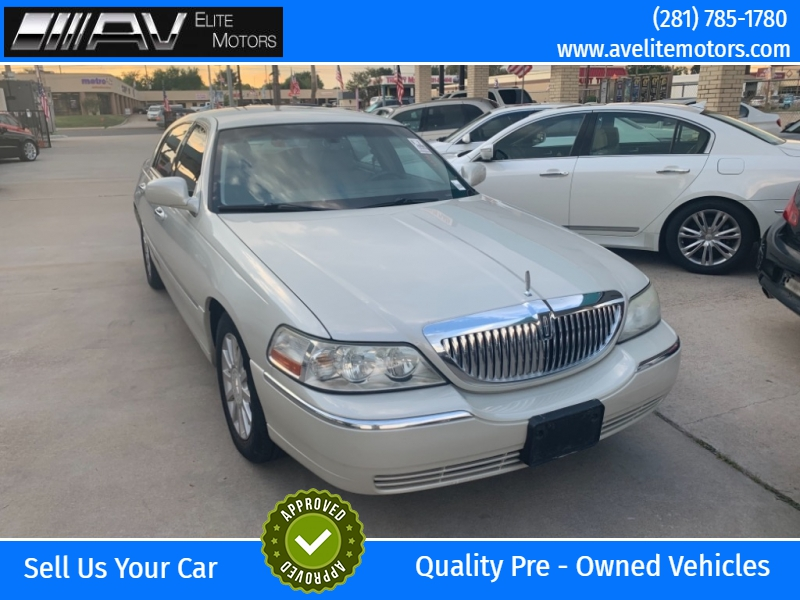 Lincoln Town Car 2006 price $5,750