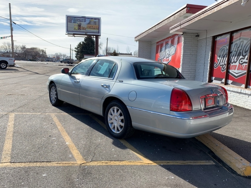 LINCOLN TOWN CAR 2007 price $4,250