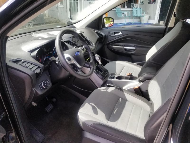 Ford Escape 2016 price $14,971