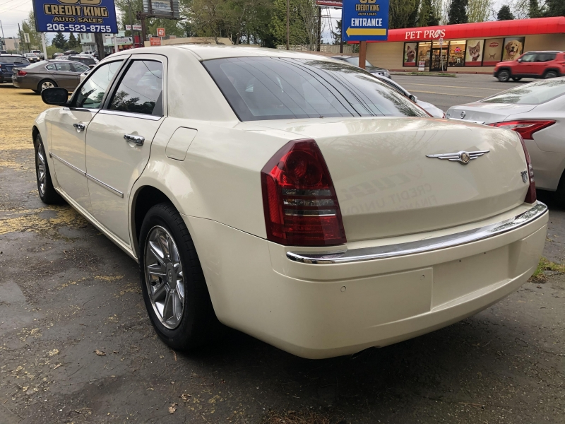 Chrysler 300 2005 price $6,971