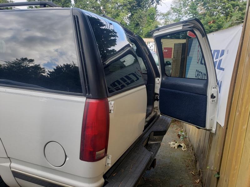 Chevrolet Suburban 1999 price $3,500