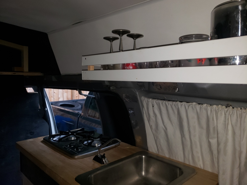Ford E-350 CONVERSION VAN WITH KITCHEN BED 1992 price $1,200