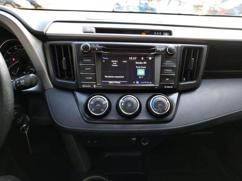 Toyota RAV4 2018 price $21,971