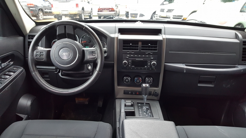 Jeep Liberty 2012 price $8,400