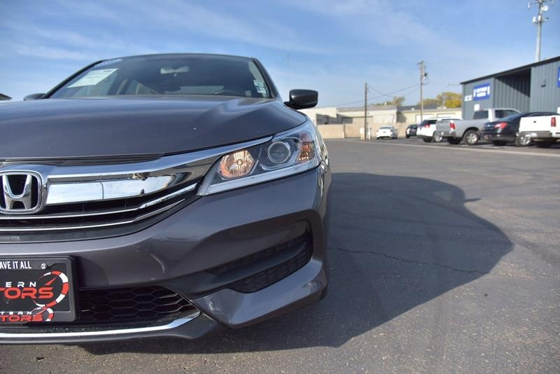 Honda Accord 2017 price $18,599