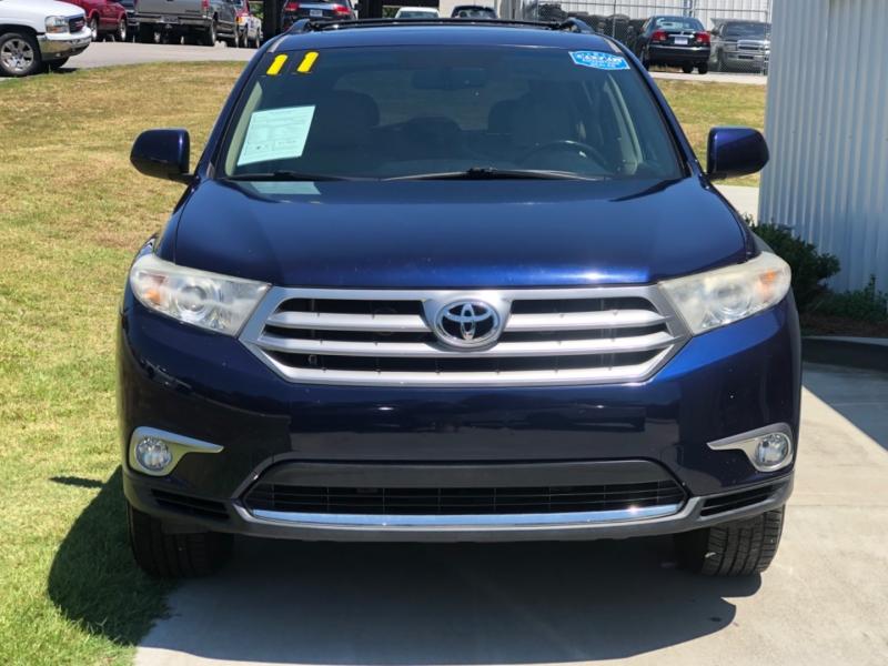Toyota Highlander 2011 price $11,795