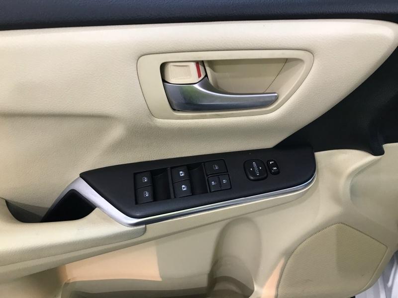 Toyota Camry 2016 price $12,495