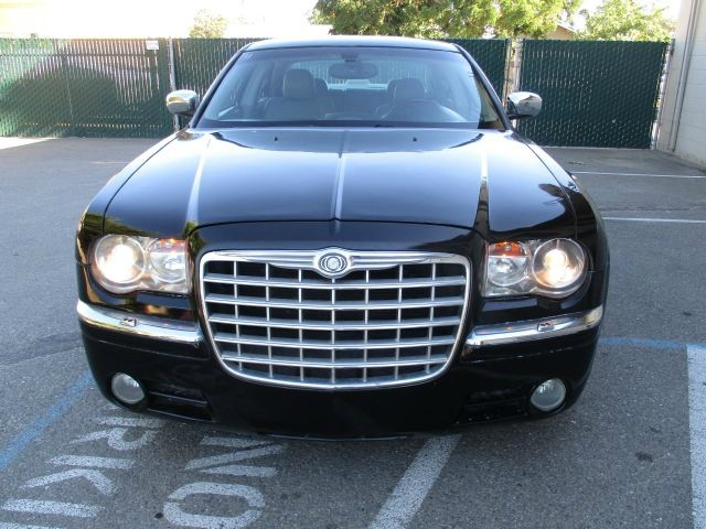 Chrysler 300 2006 price $7,999