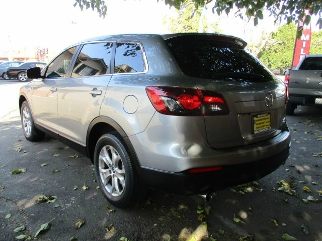 Mazda CX-9 2015 price $16,999