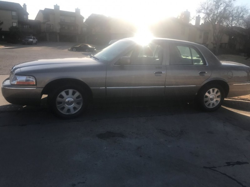 Mercury Grand Marquis 2004 price $3,995