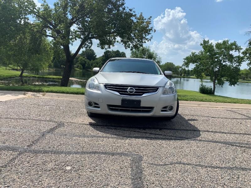 Nissan Altima 2011 price $7,995