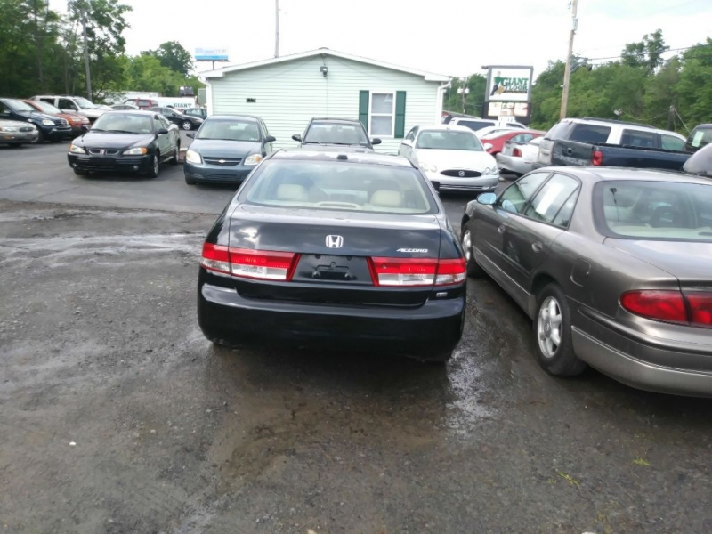 HONDA ACCORD 2004 price $2,495