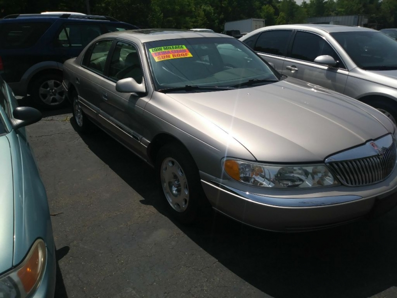 LINCOLN CONTINENTAL 2000 price $2,995