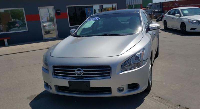 Nissan Maxima 2011 price $11,500