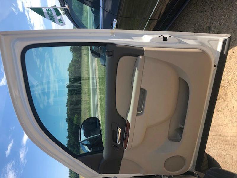 Chevrolet Suburban 2012 price $24,299