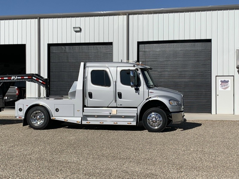 Freightliner PK 2008 price $74,900