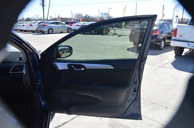 Nissan Sentra 2017 price $11,500