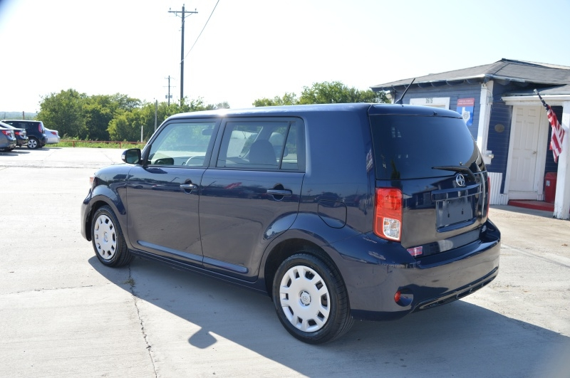 Scion xB 2015 price $9,950