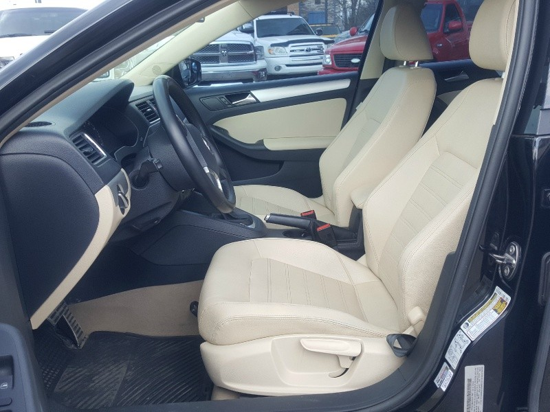 Volkswagen Jetta 2011 price Call for Pricing