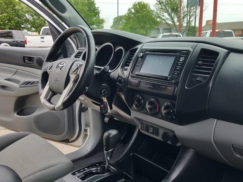 Toyota Tacoma 2015 price $21,982