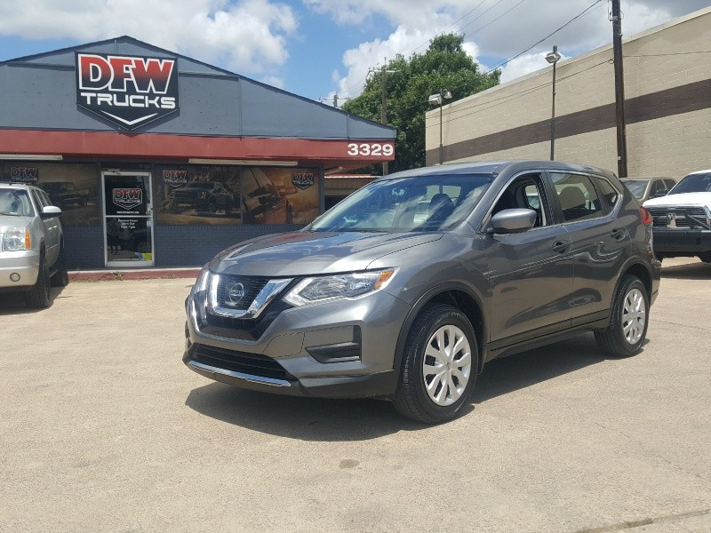 Nissan Rogue 2017 price $15,976