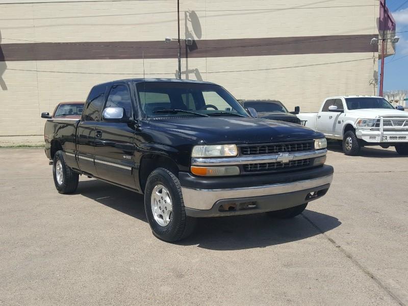Chevrolet Silverado 1500 2000 price Call for Pricing.
