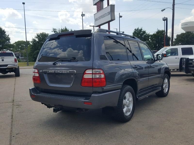 Toyota Land Cruiser 2004 price $15,477