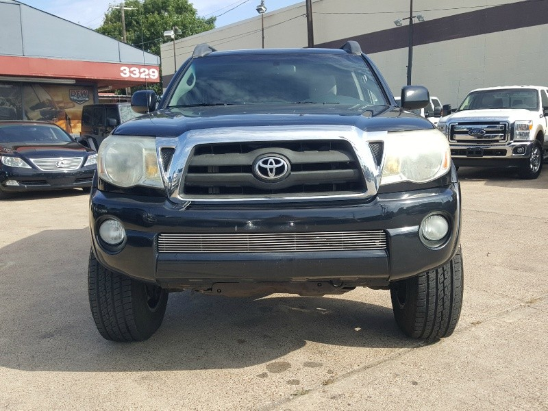 Toyota Tacoma 2006 price $12,998