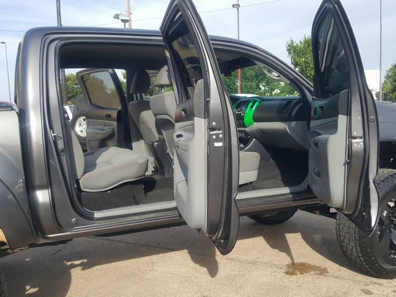 Toyota Tacoma 2013 price $24,461