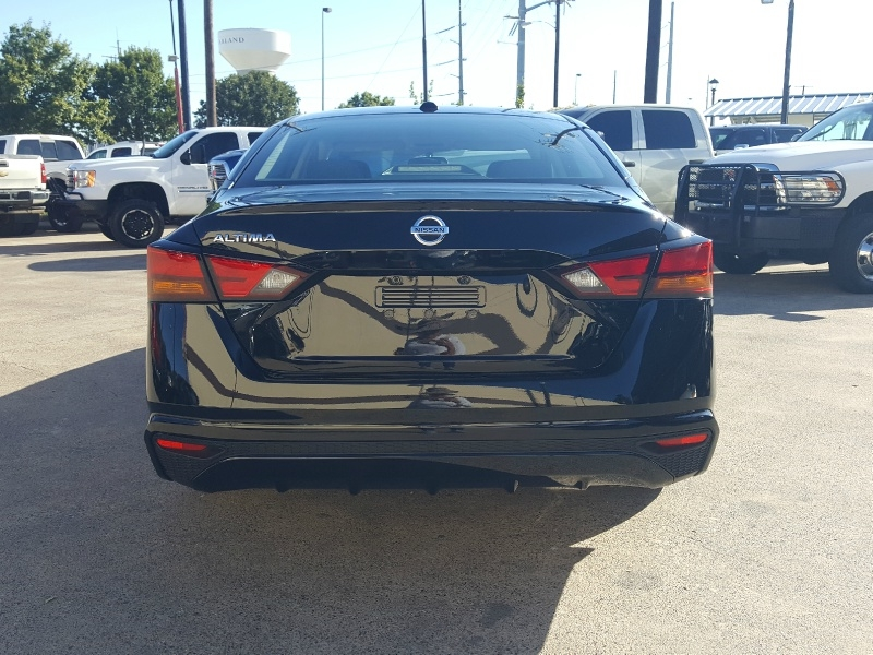 Nissan Altima 2020 price $18,393