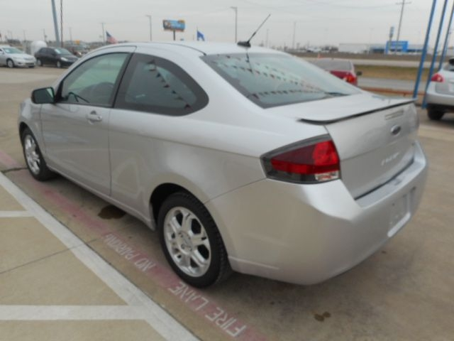 FORD FOCUS 2010 price $3,950
