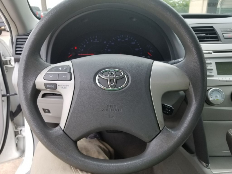 TOYOTA CAMRY LE 2011 price $6,995