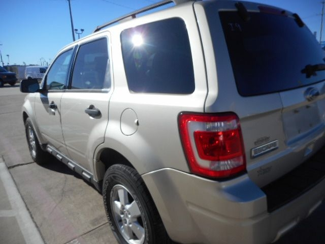 FORD ESCAPE 2010 price $4,950