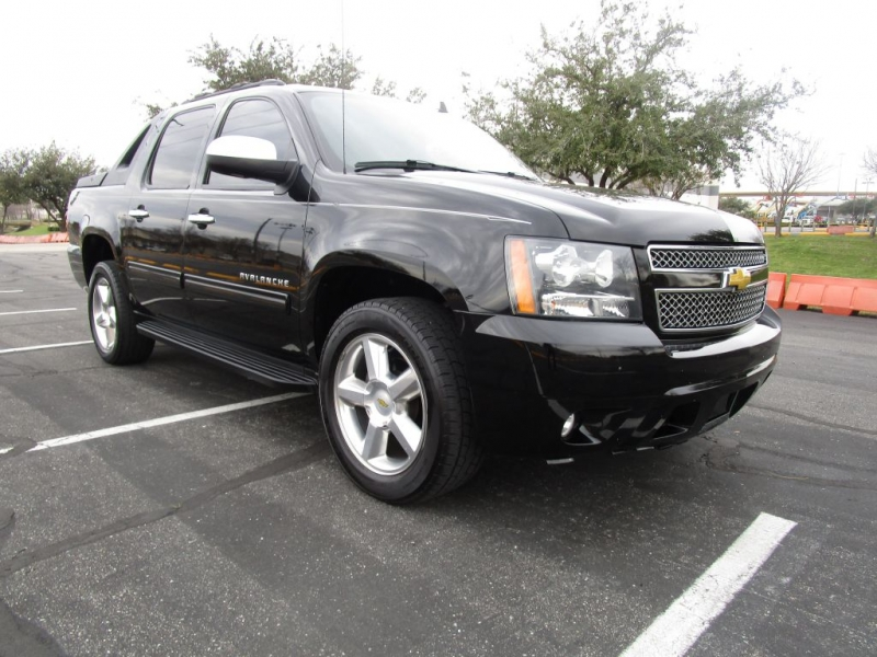 Chevrolet Avalanche 2012 price $16,995