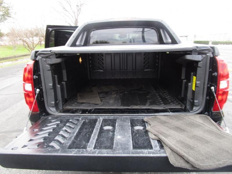 Chevrolet Avalanche 2012 price $17,500