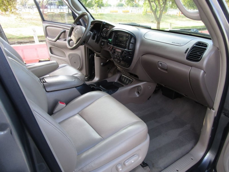 Toyota Sequoia 2005 price $7,995