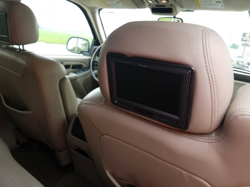 Cadillac ESCALADE 2004 price $7,950