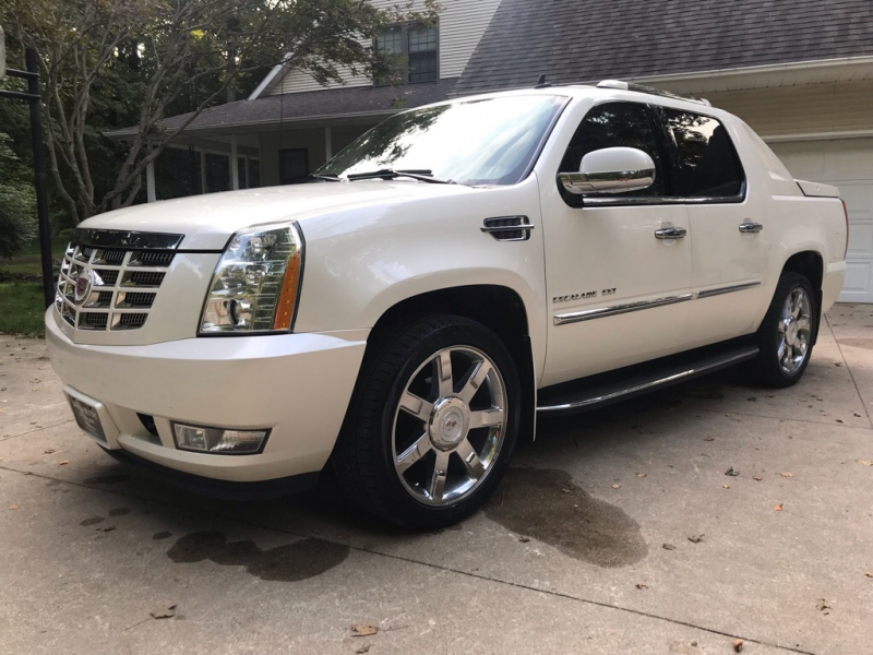 Cadillac ESCALADE 2010 price $20,950