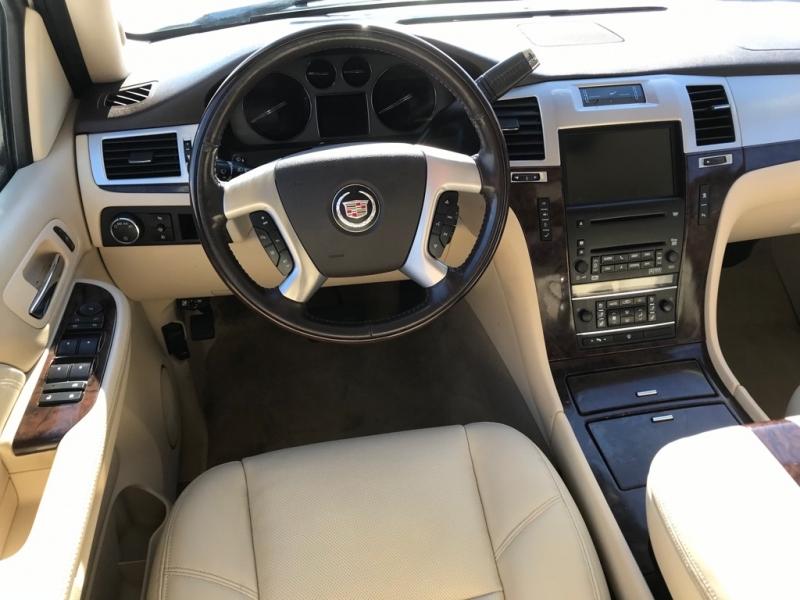 Cadillac ESCALADE 2007 price $15,850