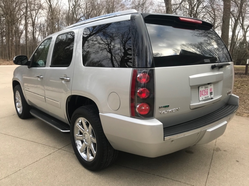 GMC YUKON 2010 price $9,850