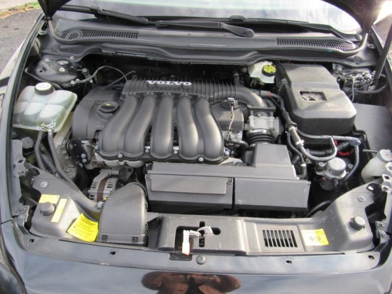 Volvo V50 2006 price $3,995